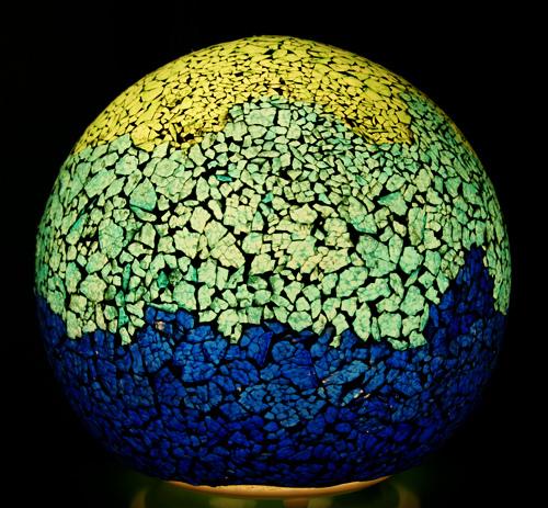 Mosaiklampe im Ganzen