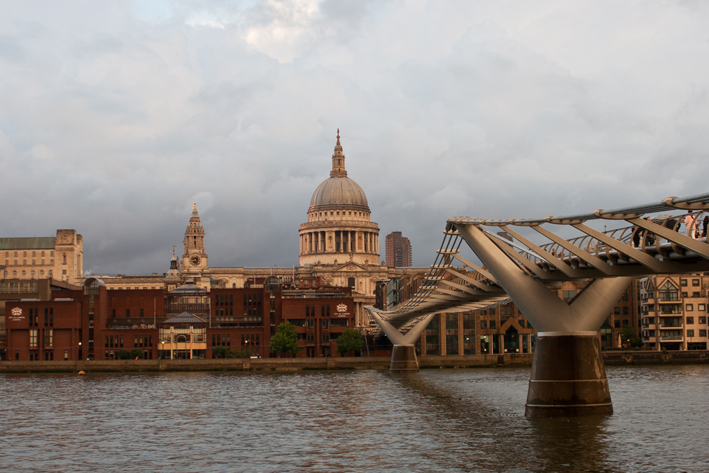 isabella-blume-london-uk-travelblogger-millenium-bridge