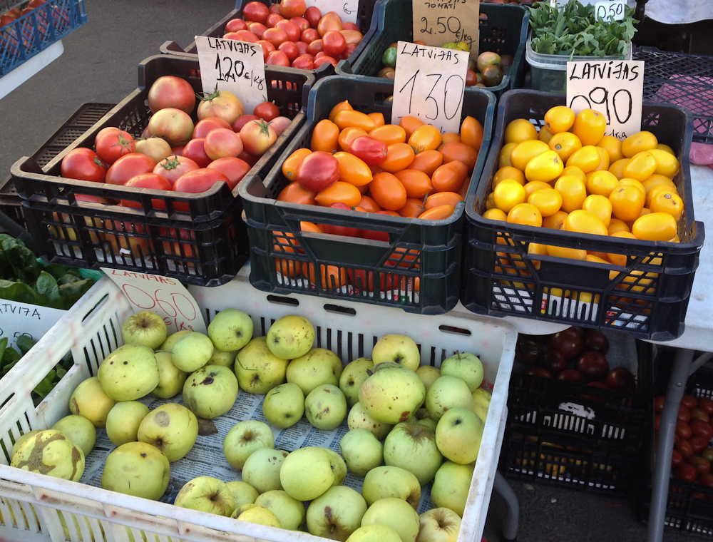 isabella-blume-riga-travelblogger-markthallen-fruits-veggies-foodblogger-vegan