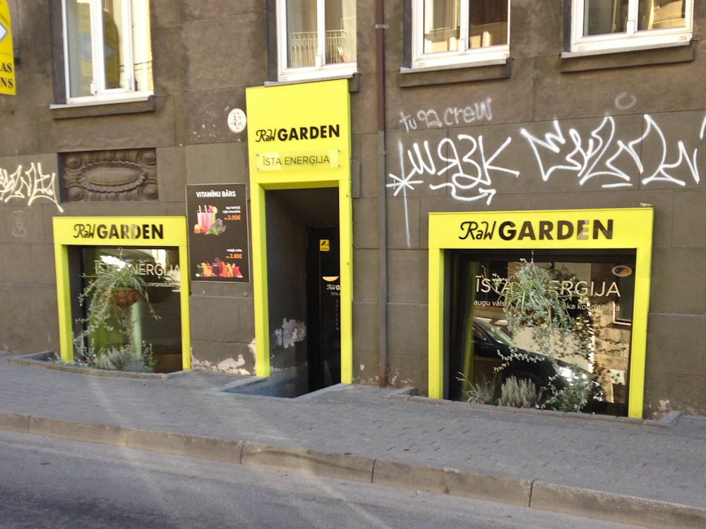 isabella-blume-riga-travelblogger-raw-garden-skola-iela-vegan-foodblogger